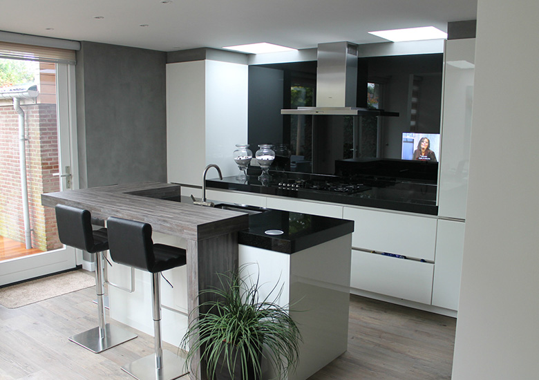 mirror tv kitchen