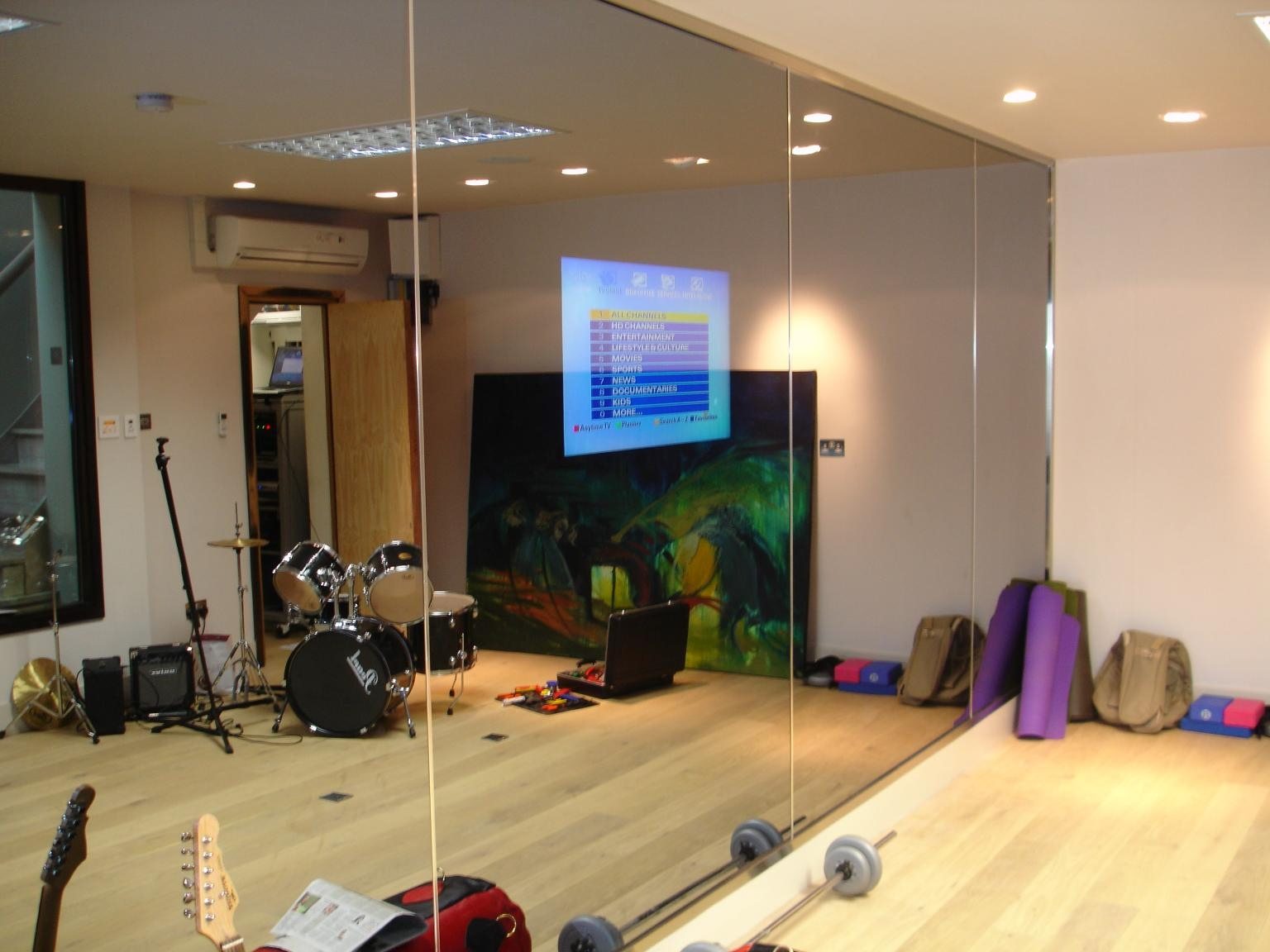 mirrortv-residential-gym