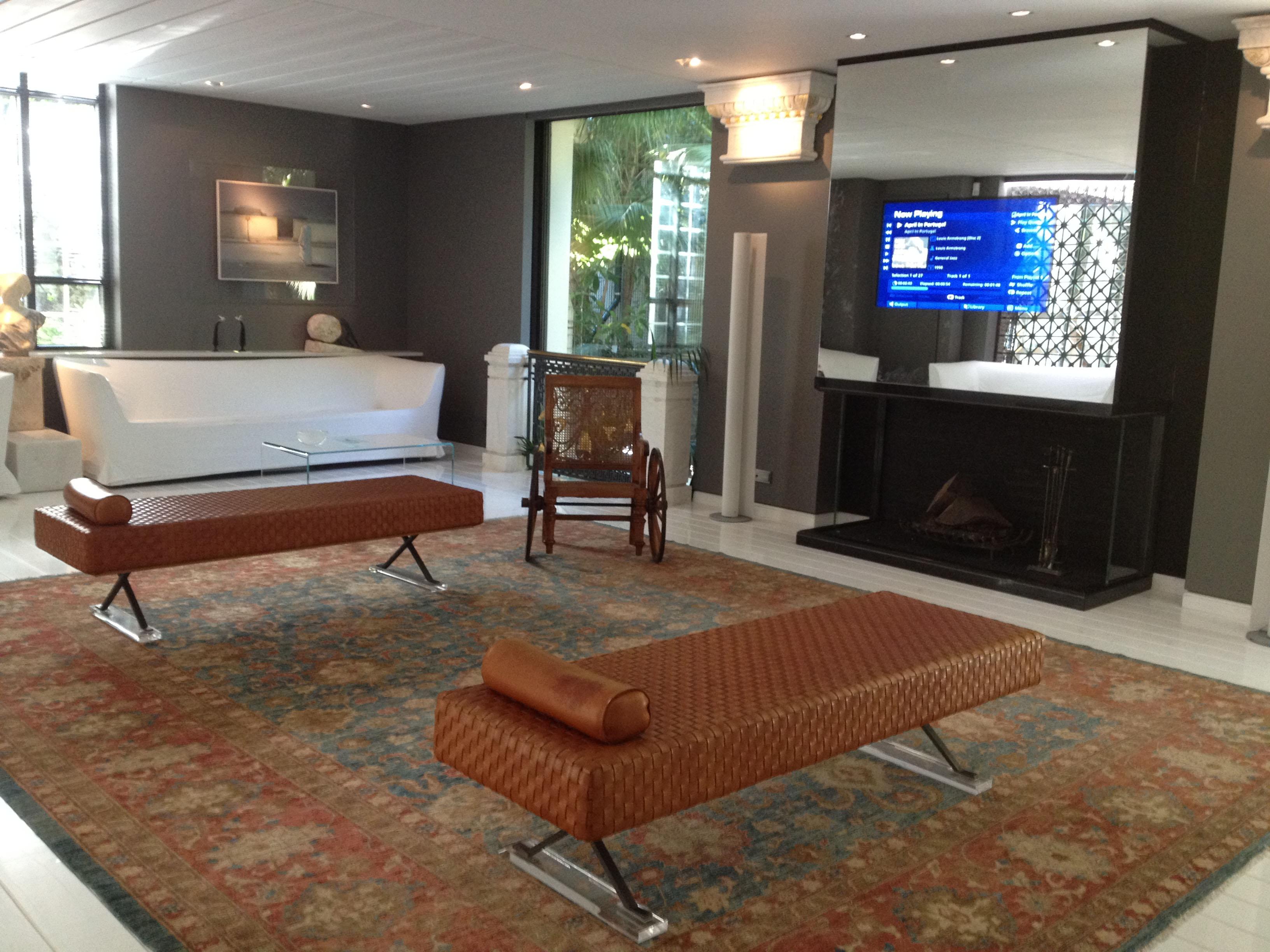 mirror tv residence livingroom