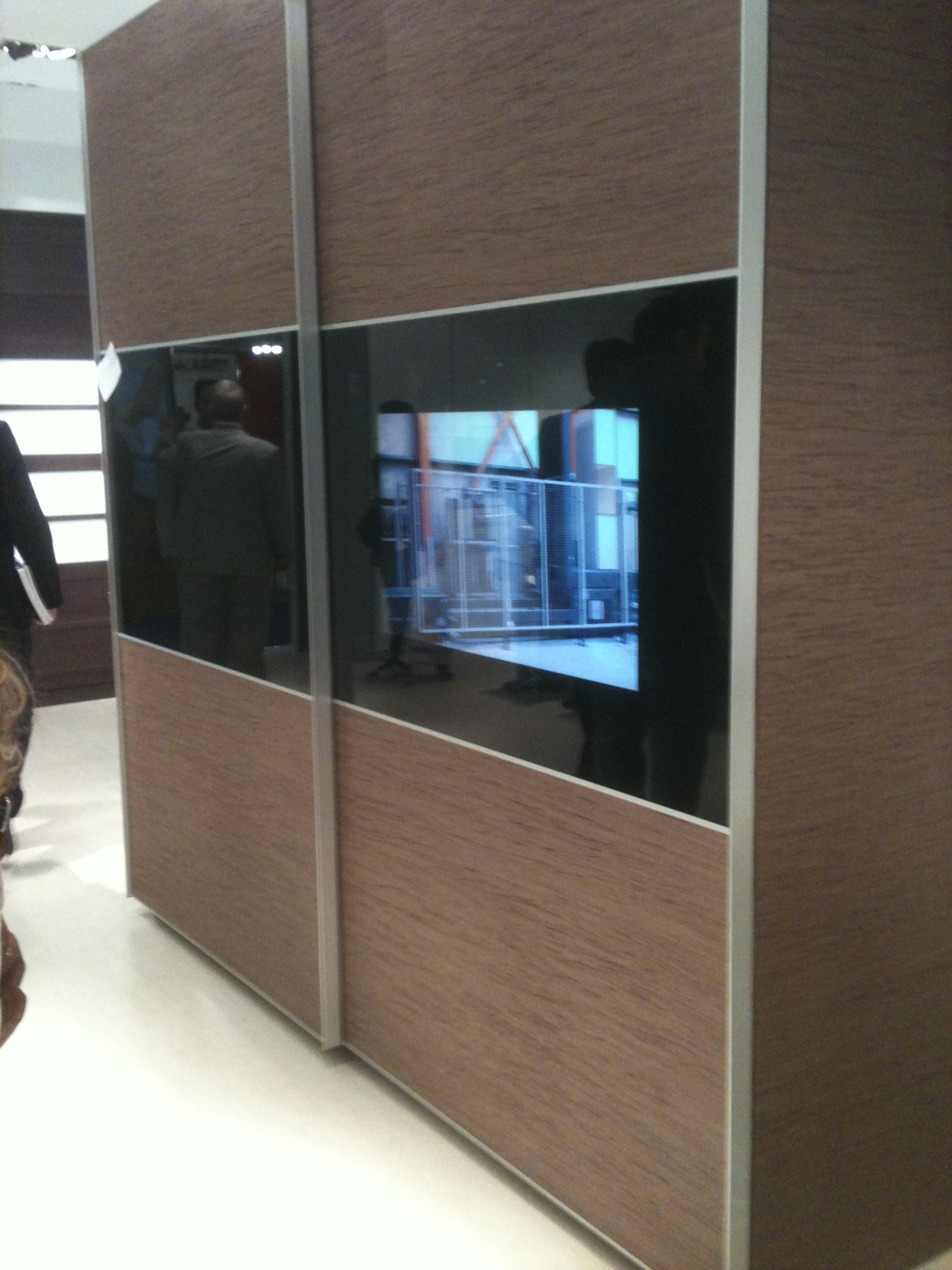mirror tv residence bedroom