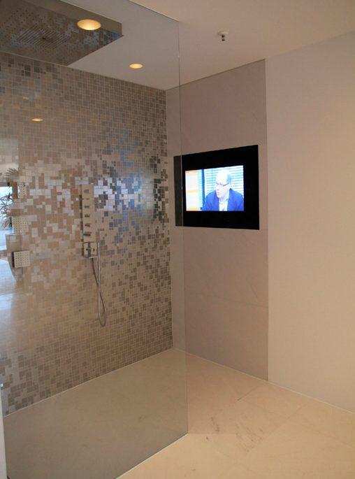 mirrortv residence bathroom