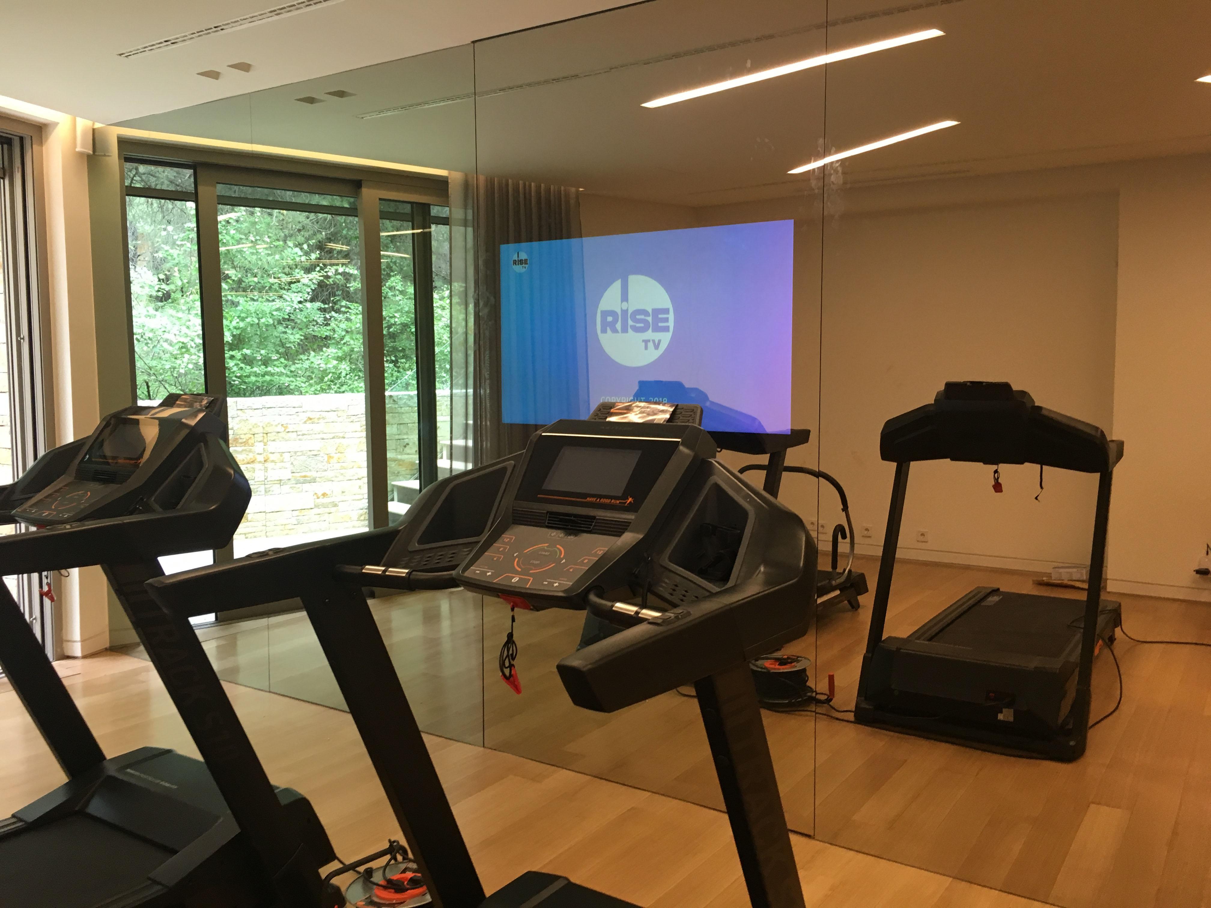 mirror tv gym